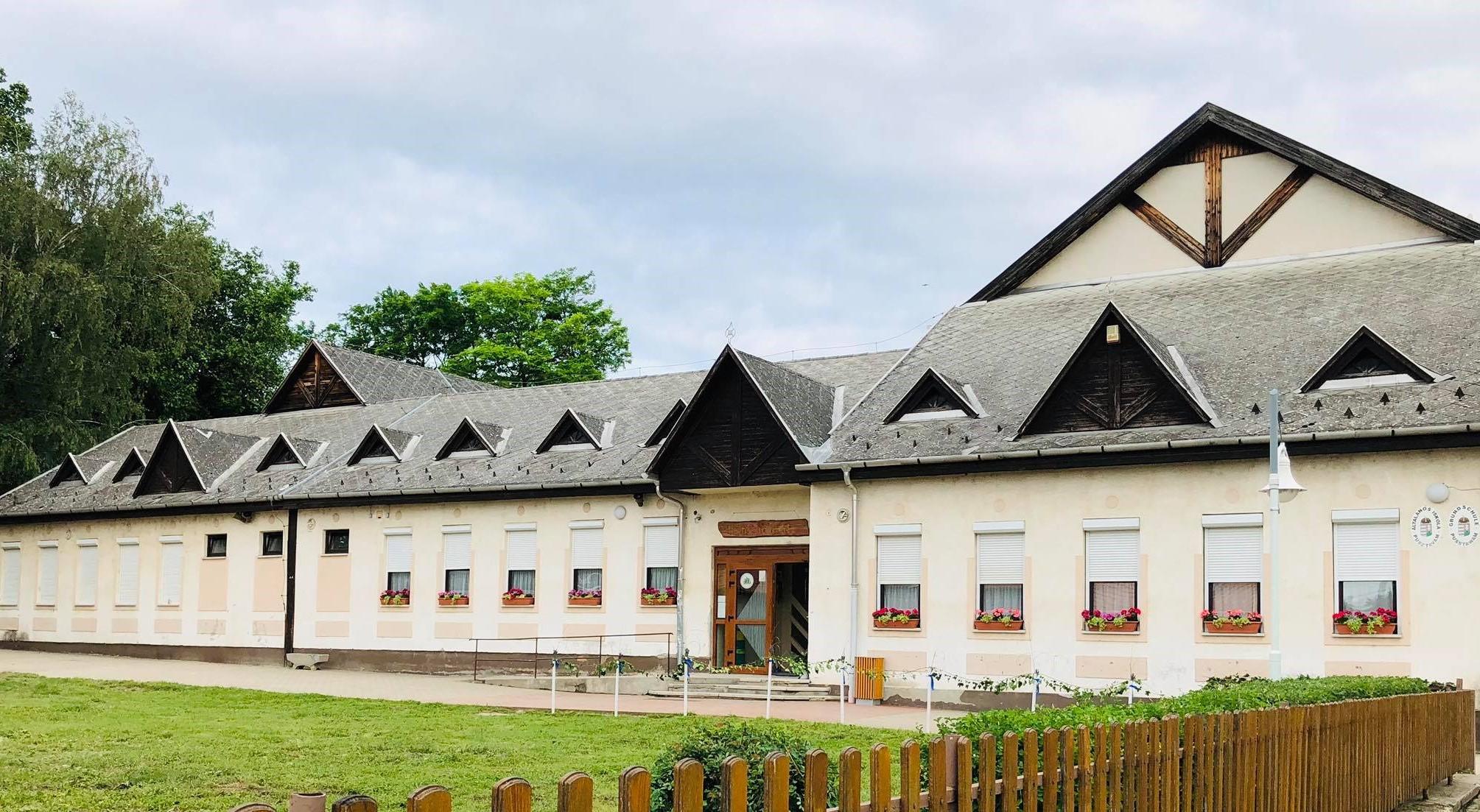 Német nemzetiségi tábor a Pusztavámi Német Nemzetiségi Általános Iskolában